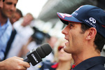 mark-webber-red-bull-racing-with-the-media-14