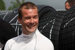 Sébastien Loeb runs a Porsche