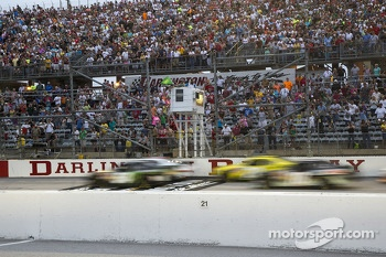 Start: Kyle Busch leads