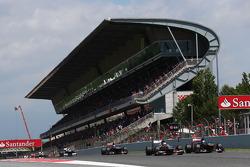 Nico Hulkenberg, Sauber C32 and Jean-Eric Vergne, Scuderia Toro Rosso STR8