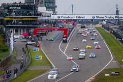 Start of the third group: #89 Dörr Motorsport BMW Z4 Coupé (SP6): Stefan Aust, Andreas Weishaupt, Frank Weishar, Robert Scott Thomson leads the field