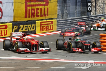 Sergio Perez, McLaren MP4-28 and Fernando Alonso, Ferrari F138 battle for position