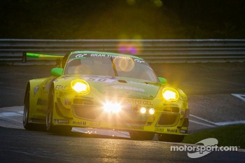 #50 Manthey-Racing Porsche 911 GT3 R (SP9): Marco Holzer, Nick Tandy, Jörg Bergmeister, Richard Lietz
