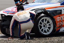 Crash,  Charles Ng, BMW E90 320 TC, Liqui Moly Team Engstler