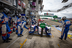 Pit stop for #8 Toyota Racing Toyota TS030 Hybrid: Anthony Davidson, Stéphane Sarrazin, Sébastien Buemi