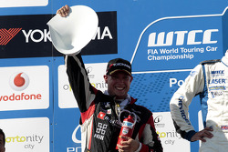 2nd Robert Huff, ALL-INKL.COM SEAT Leon WTCC