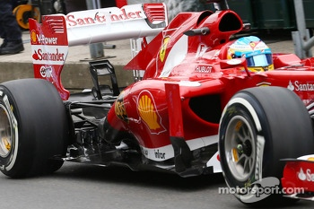 Fernando Alonso, Ferrari F138 rear wing and exhaust detail