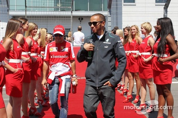 Lewis Hamilton, Mercedes AMG F1 and Felipe Massa, Ferrari on the drivers parade