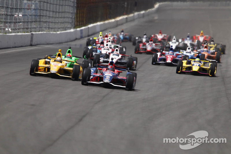Start: Marco Andretti leads