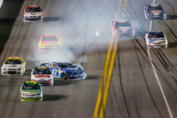 A.J. Allmendinger, Phoenix Racing Chevrolet and Aric Almirola, Richard Petty Motorsports Ford crash