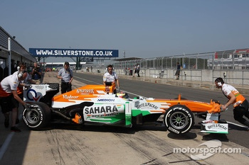 James Calado, Sahara Force India VJM06 Test Driver in the pits