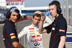 Carlos Sainz Jr., Scuderia Toro Rosso Test Driver with Antonio Felix da Costa, Red Bull Racing Test Driver and Daniil Kvyat, Scuderia Toro Rosso Test Driver