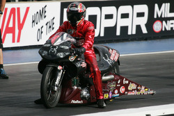 NHRA: Angie Smith