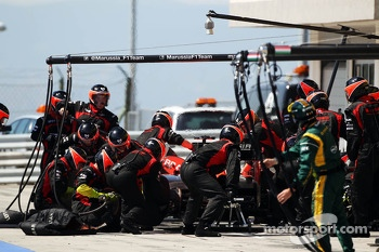 Jules Bianchi, Marussia F1 Team MR02 makes a pit stop