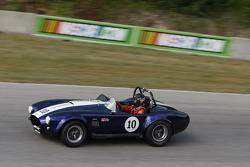 #10 1965 SPF Cobra: Dennis Olthoff