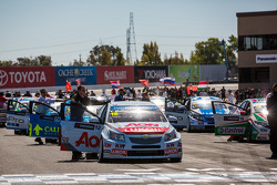 Cars on the grid for race 1