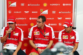 Fernando Alonso, Ferrari with Stefano Domenicali, Ferrari General Director and Felipe Massa, Ferrari