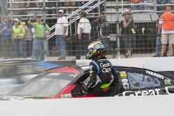 Kasey Kahne, Hendrick Motorsports Chevrolet in trouble