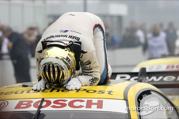Timo Glock, BMW Team MTEK, overwhelmed by his victory