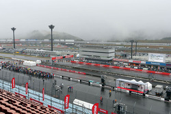 Fog takes over the circuit