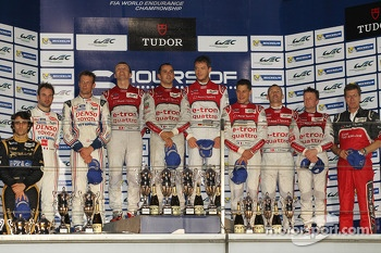 Podium: race winners Andre Lotterer, Benoit Tréluyer, Marcel Fässler, second place Nicolas Lapierre and Alexander Wurz, third place Loic Duval, Tom Kristensen, Allan McNish