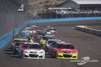 Restart: Kevin Harvick and Jeff Gordon