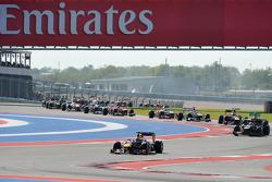 Start: Sebastian Vettel, Red Bull Racing leads