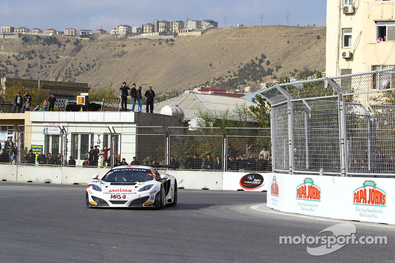 #44 MRS GT Racing McLaren MP4-12C: Andy Soucek, Oliver Turvey