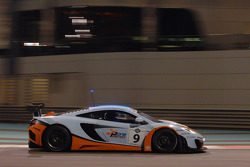#9 Gulf Racing McLaren MP4-12C GT3: Michael Wainwright, Rob Bell, Adam Carroll