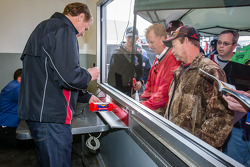 Rusty Wallace signs autographs