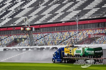Jet dryer trucks at work at Daytona International Speedway