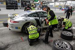 #44 MRS GT-Racing Porsche 911 GT3 Cup: Daniel Allemann, Ralf Bohn, Ilya Melnikov