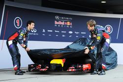 (L to R): Daniel Ricciardo, Red Bull Racing and team mate Sebastian Vettel, Red Bull Racing unveil the new Red Bull Racing RB10