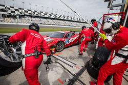 Pit stop for #63 Scuderia Corsa Ferrari 458 Italia: Alessandro Balzan, Jeff Westphal, Toni Vilander, Lorenzo Case