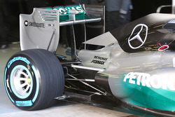 Mercedes AMG F1 W05 rear suspension and rear wing