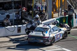 Pit stop for #44 Magnus Racing Porsche 911 GT America Porsche: John Potter, Andy Lally, Wolf Henzler, Jean-François Dumoulin