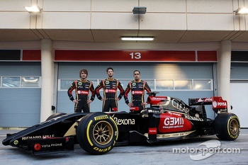 (L to R): Charles Pic, Romain Grosjean, Lotus F1 Team with team mate Pastor Maldonado, Lotus F1 Team