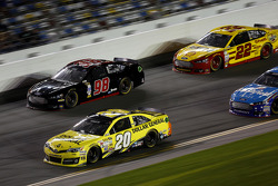 Matt Kenseth, Joe Gibbs Racing Toyota, Josh Wise, Phil Parsons Racing Ford