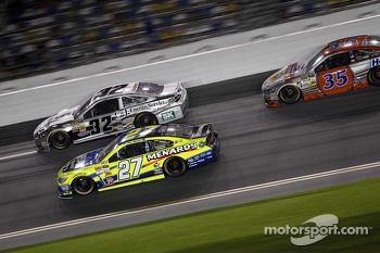 Terry Labonte, FAS Lane Racing Ford, Paul Menard, Richard Childress Racing Chevrolet