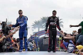Carl Edwards, Roush Fenway Racing Ford and Alex Bowman, BK Racing Toyota