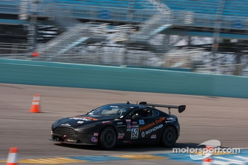#62 Breathless Performance Aston Martin GT4: Mark Klenin