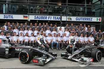 Sauber F1 Team group photo, Adrian Sutil, Sauber F1 Team and Esteban Gutierrez, Sauber F1 Team
