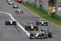 Lewis Hamilton, Mercedes AMG F1 W05 on the formation lap