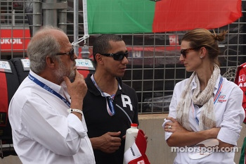 The father and the wife of Tiago Monteiro, Honda Civic WTCC, Castrol Honda WTC Team