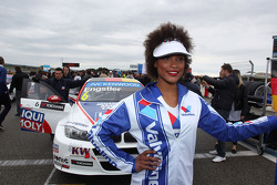 Grid Girl of Franz Engstler, 320 TC, Liqui Moly Team Engstler