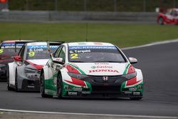 Gabriele Tarquini, Honda Civic WTCC, Castrol Honda WTCC Team and Sébastien Loeb, Citroen C-Elysee WTCC, Citroen Total WTCC