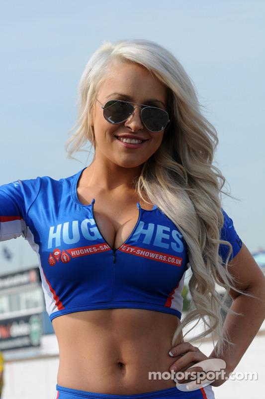 Speedworks Motorsport Grid girl