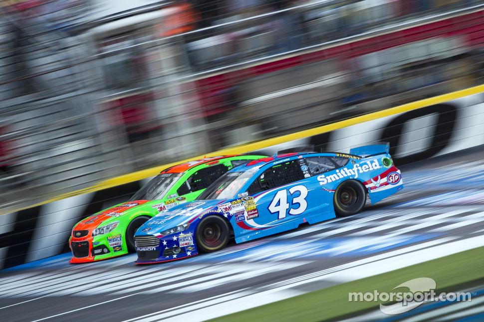 Aric Almirola, Richard Petty Motorsports Ford | NASCAR-CUP photos | Main gallery | Motorsport.com