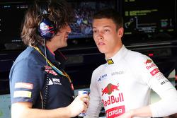Daniil Kvyat, Scuderia Toro Rosso with Marco Matassa, Scuderia Toro Rosso Race Engineer