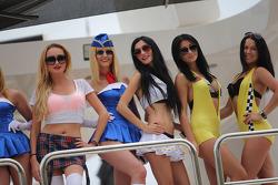 F1: Women on a boat